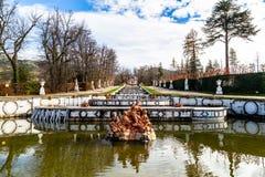 Oct 2018 - La Granja DE San Ildefonso, Segovia, Spanje - Fuente DE Anfitrite in de tuinen van La Granja in de Winter stock fotografie