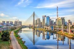 Octavio Frias de Oliveira Bridge à Sao Paulo image stock