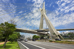 Octavio Frias de Oliveira Bridge à Sao Paulo, Brésil Photos stock