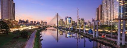 Octavio Frias de Oliveira Bridge dans le sao Paulo Brazil Photos libres de droits