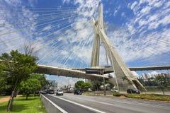Octavio Frias de Oliveira Bridge in Sao Paulo, Brasilien Stockfotos