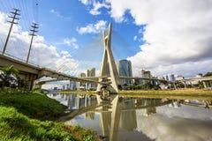 Octavio Frias de Oliveira Bridge in Sao Paulo, Brasilien Lizenzfreies Stockfoto