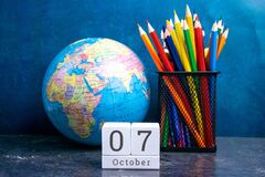 Free October 7 On The Wooden Calendar.The Seventh Day Of The Autumn Month, A Calendar For The Workplace. Autumn Royalty Free Stock Images - 183216749