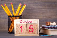 15 octobre calendrier en bois en gros plan Planification de temps et fond d'affaires Image libre de droits