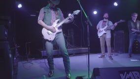 7 octobre 2016, la Russie, Moscou, grondement mauvais de groupe de rock de musique de concert