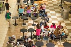 2 octobre 2014 : Washington, C.C - la vue intérieure des personnes voyagent Image stock
