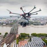 Octocopter, helicóptero, abejón Imagenes de archivo