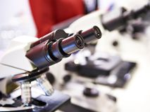 Oculaires de microscope photographie stock libre de droits
