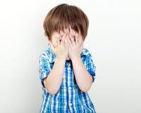 Ocultación del niño Fotografía de archivo libre de regalías