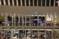 Oculus эпицентра деятельности транспорта всемирного торгового центра Westfield в Нью-Йорке Стоковые Фотографии RF