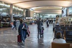 Ocupado en el aeropuerto de Oslo foto de archivo