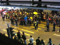 Ocupe o protesto da rua de Mongkok: Protestadores e conflito da polícia Fotografia de Stock Royalty Free