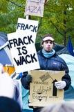Ocupe Wall Street 6, frack é wack fotos de stock