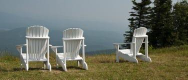 oczekujący krzesło gazon biel widok biel Zdjęcia Royalty Free