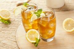 Odświeża Lukrowa herbata z cytryną Zdjęcia Royalty Free