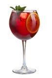 Odświeżający koktajl z lodowym owocowym sokiem i cranberries na białym tle Zdjęcie Stock