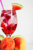 Odświeżający napój i owoc Obraz Stock