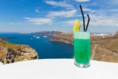 Odświeżający napój na morzu Obrazy Stock