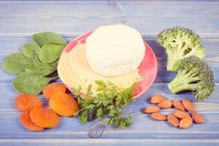 Odżywczy łasowanie jako źródło kopaliny, wapnie i żywienioniowy włókno, zdrowy odżywianie fotografia royalty free