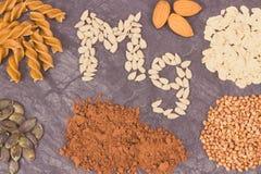 Odżywczy łasowanie zawiera magnez Zdrowy odżywianie jako witaminy, kopaliny i włókno źródła, fotografia stock