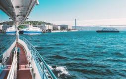 Od łodzi bridżowy Bosphorus widok Zdjęcie Stock
