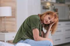 Od depresji kobiety starszy cierpienie obrazy stock