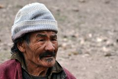 Od Ladakh stary beduiński mężczyzna (India) Fotografia Royalty Free
