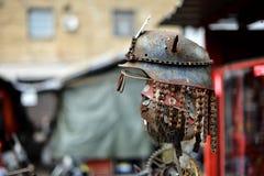 Od różnych części i świstka zrobił robot postaci Fotografia Stock