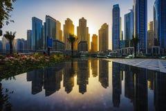 Odbicia Dubaj Marina przy zmierzchem 1 Zdjęcie Stock