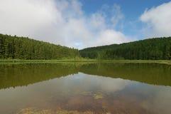 Odbicia na jeziorze zdjęcie royalty free