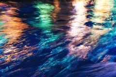 odbicie światła miasta Kolorowy świecenie na wodzie fotografia royalty free