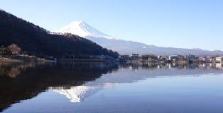 Odbicie góra Fuji na jeziorze Zdjęcia Royalty Free