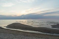 Odbicie słońce w morzu zdjęcia royalty free