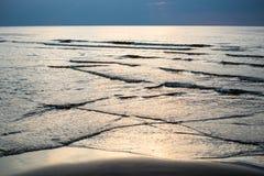 Odbicie słońce w morzu obraz royalty free