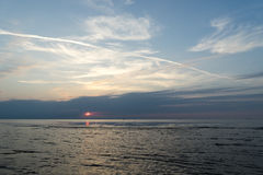Odbicie słońce w morzu obrazy stock