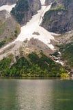 Odbicie Tatrzańscy halni szczyty w Morskie Oko jeziorze Oko Denny jezioro w Tatrzańskich górach, Polska Polski Tatrzański góry Mo obrazy stock