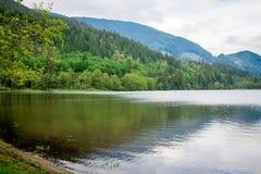 Odbicie w jelenim jeziornym Kanada Zdjęcia Royalty Free