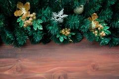 Odbitkowa przestrzeń z drewnianym tłem i borded dekoruje z Christm obraz royalty free