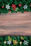 Odbitkowa przestrzeń z drewnianym tłem i borded dekoruje z Christm fotografia royalty free