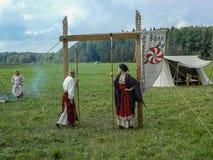 Odbudowa życie antyczne słowianki na festiwalu dziejowi kluby w Zhukovsky okręgu Kaluga region Rosja Fotografia Stock