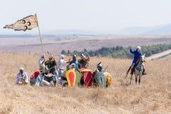Odbudowa rogi Hattin bitwa w 1187 Saladin ` s wojownicy przygotowywają odpędzać ataka krzyżowowie na nietoperzu Zdjęcie Stock
