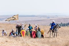 Odbudowa rogi Hattin bitwa w 1187 Saladin ` s wojownicy przygotowywają odpędzać ataka krzyżowowie na nietoperzu Fotografia Royalty Free