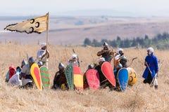 Odbudowa rogi Hattin bitwa w 1187 Saladin ` s wojownicy przygotowywają odpędzać ataka krzyżowowie na nietoperzu Zdjęcia Stock