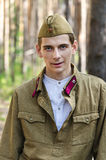Odbudowa wydarzenia druga wojna światowa, Rosja, Dimitrovgrad, 26 2017 Aug Portret młody czerwonego wojska żołnierz Zdjęcie Stock