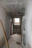 Odbudowywać mieszkania Pokój podczas odświeżania konkretny wnętrze rozwojowy obrazy royalty free