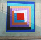 Odd Triangular Wall Mural On un sottopassaggio del ponte su James Rd a Memphis, Tn Fotografia Stock