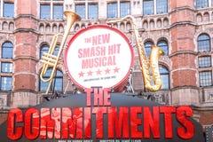 Oddania Muzykalni przy pałac Theatre w Londyn Fotografia Royalty Free