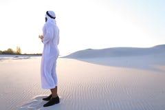 Oddech świeżość męski muzułmanin w środku suchy klimat s Obraz Stock