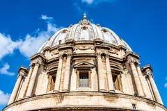 Oddolny widok St Peter ` s bazyliki kopuła obrazy stock