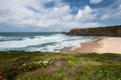 Odeceixe海滩在葡萄牙阿尔加威Aljezur 库存图片